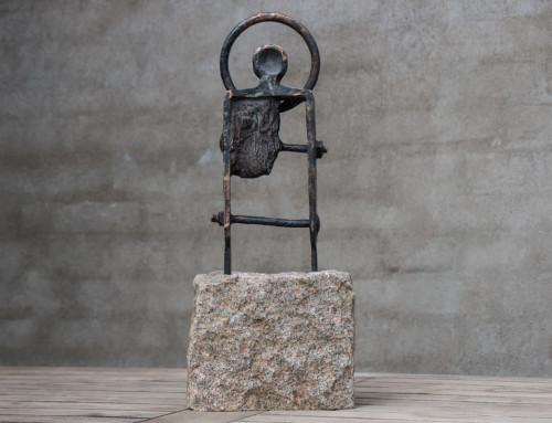 """""""Golgata I"""", massiv bronze, granit, h:47. 11.000,- dkr."""