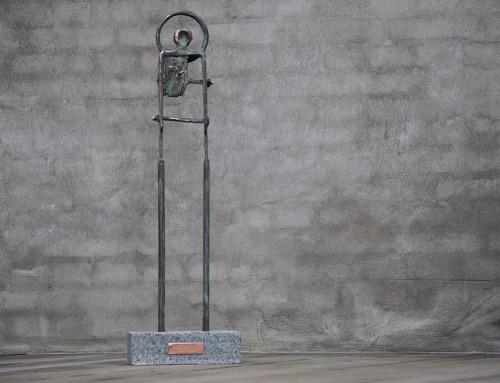 """""""Golgata l"""", massiv bronze, granit, h:83, irret model (grøn). 15.000,- dkr."""